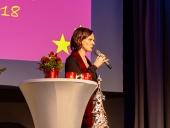 Claudia Schirmer begrüßt Mitarbeiterinnen und Mitarbeiter zur Weihnachtsfeier 2018