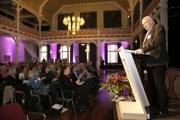 Martin Wächter, Bürgermeister der Stadt Menden, begrüßt die mehr als 300 Tagungsgäste, die aus ganz Deutschland zur Tagung nach Menden gekommen sind.