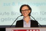 Claudia Schirmer, Vorstand der Stiftung Ev. Jugendhilfe Menden eröffnet die 8. Fachtagung.