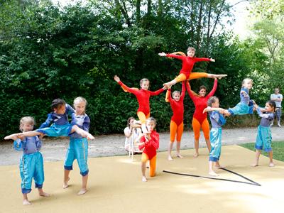 Kleine Akrobaten beim Sommerfest 2018